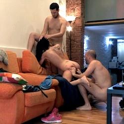Maraton de sexo oral en la despedida de soltero de Julian